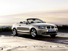 BMW_1series_convertible_wallpaper_03.jpg